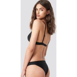 NA-KD Swimwear Sportowa siateczkowa góra bikini - Black. Czarne bikini damskie NA-KD Swimwear. Za 40.95 zł.