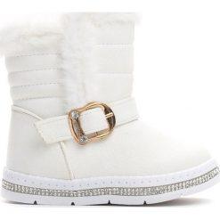 Białe Śniegowce Habituate. Białe buty zimowe dziewczęce Born2be, z materiału. Za 59.99 zł.