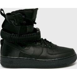 Nike Sportswear - Buty W Sf Air Force 1. Czarne obuwie sportowe damskie Nike Sportswear, z gumy. Za 699.90 zł.
