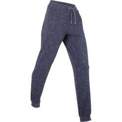 Spodnie sportowe, długie bonprix jagodowy melanż. Fioletowe spodnie dresowe damskie bonprix, melanż. Za 109.99 zł.