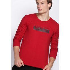 Czerwona Koszulka Make Sound. Bluzki z długim rękawem męskie marki Marie Zélie. Za 34.99 zł.