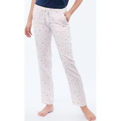 Etam - Spodnie piżamowe Sue. Szare piżamy damskie Etam, z dzianiny. Za 99.90 zł.