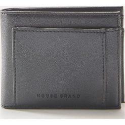 Portfel z eco skóry - Czarny. Czarne portfele męskie House, ze skóry. Za 35.99 zł.