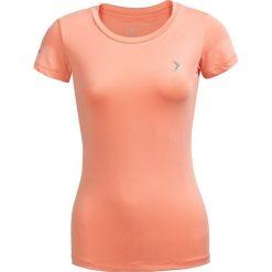 Koszulka treningowa damska TSDF600 - pudrowy koral - Outhorn. Pomarańczowe bluzki damskie Outhorn, z materiału. W wyprzedaży za 29.99 zł.