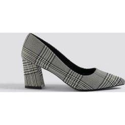 NA-KD Shoes Czółenka w kratkę na słupku - Grey,Multicolor. Czółenka damskie marki bonprix. W wyprzedaży za 80.97 zł.