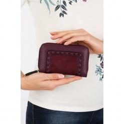 """Portfel """"Ascottine"""" w kolorze bordowym - 15 x 10 x 4,2 cm. Czerwone portfele damskie Scottage, z materiału. W wyprzedaży za 40.95 zł."""