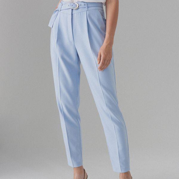 Spodnie carrot fit z paskiem Niebieski