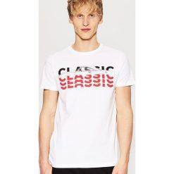 T-shirt z nadrukiem - Biały. Białe t-shirty damskie House, z nadrukiem. Za 39.99 zł.