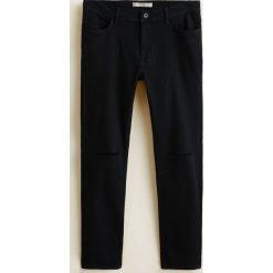 Mango Man - Jeansy Dylan. Czarne jeansy męskie Mango Man. W wyprzedaży za 89.90 zł.