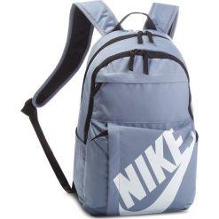 Plecak NIKE - BA5381 446. Niebieskie plecaki damskie Nike, z materiału, sportowe. Za 99.00 zł.