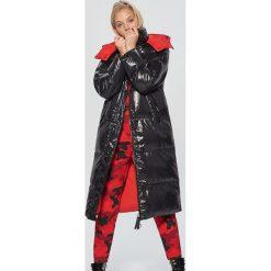Płaszcz z kolekcji Mix and Match - Czarny. Czarne płaszcze damskie Cropp. W wyprzedaży za 239.99 zł.
