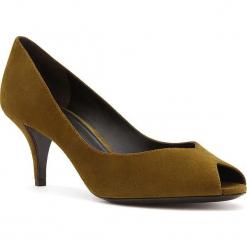Skórzane czółenka w kolorze khaki. Brązowe czółenka damskie Stella Luna, ze skóry. W wyprzedaży za 545.95 zł.