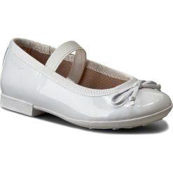 Baleriny GEOX - J Plie I J5455I 000HH C1000 Biały. Baleriny damskie marki Geox. W wyprzedaży za 179.00 zł.