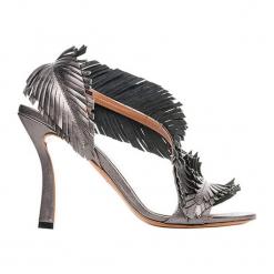 Skórzane sandały w kolorze szarym. Szare sandały damskie Baldowski. W wyprzedaży za 489.95 zł.