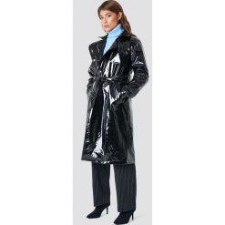 NA-KD Trend Kurtka Patent Long - Black. Czarne kurtki damskie NA-KD Trend, w paski, ze skóry. Za 404.95 zł.