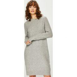 Vero Moda - Sukienka. Szare sukienki damskie Vero Moda, z dzianiny, casualowe, z okrągłym kołnierzem. Za 149.90 zł.