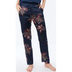 Etam - Spodnie piżamowe Celeste. Szare piżamy damskie Etam. Za 119.90 zł.