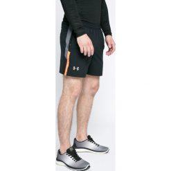 Under Armour - Szorty. Szare krótkie spodenki sportowe męskie Under Armour, z materiału. W wyprzedaży za 139.90 zł.