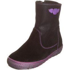 Skórzane botki w kolorze czarnym. Botki dziewczęce Zimowe obuwie dla dzieci. W wyprzedaży za 147.95 zł.