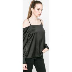 Vero Moda - Bluzka. Czarne bluzki damskie Vero Moda, z materiału, casualowe, z dekoltem w łódkę. W wyprzedaży za 59.90 zł.