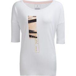 T-shirt damski TSD609 - biały - Outhorn. Białe t-shirty damskie Outhorn, z nadrukiem, z materiału. W wyprzedaży za 29.99 zł.