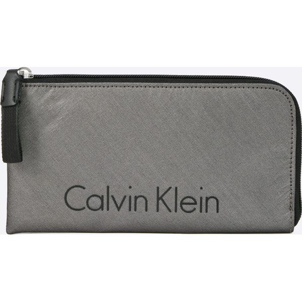 e5c998b1a3dcf Calvin Klein Jeans - Portfel City Nylon Pouch - Portfele damskie marki  Calvin Klein Jeans