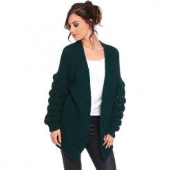 """Kardigan """"Shai"""" w kolorze zielonym. Zielone kardigany damskie Cosy Winter, ze splotem. W wyprzedaży za 181.95 zł."""