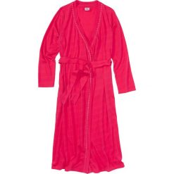 Szlafrok z dzianiny shirtowej bonprix różowy hibiskus. Szlafroki damskie marki NABAIJI. Za 74.99 zł.