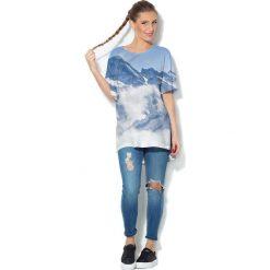 Colour Pleasure Koszulka CP-033  53 biało-niebieska r. uniwersalny. Bluzki damskie Colour Pleasure. Za 76.57 zł.