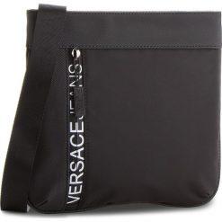 Saszetka VERSACE JEANS - E1YSBB32-70724 899. Czarne saszetki męskie Versace Jeans, z jeansu, młodzieżowe. W wyprzedaży za 329.00 zł.