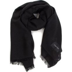 Szal CALVIN KLEIN - Sparkling Scarf  K60K604908 Black 001. Czarne szaliki i chusty damskie Calvin Klein, z materiału. Za 279.00 zł.