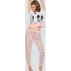 Dwuczęściowa piżama Mickey Mouse - Różowy. Czerwone piżamy damskie Cropp, z motywem z bajki. Za 99.99 zł.