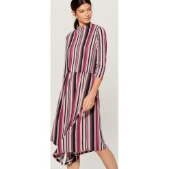 Sukienka midi w paski - Różowy. Czerwone sukienki damskie Mohito, w paski. Za 139.99 zł.