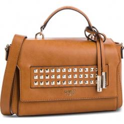 Torebka GUESS - HWVC71 06210 COG. Brązowe torebki do ręki damskie Guess, z aplikacjami, ze skóry ekologicznej. Za 629.00 zł.