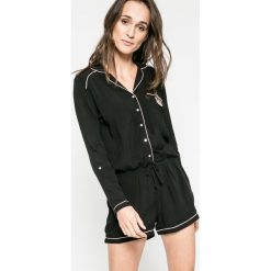 Etam - Kombinezon piżamowy Ginger. Piżamy damskie Etam, z nadrukiem, z materiału, z długim rękawem. W wyprzedaży za 99.90 zł.