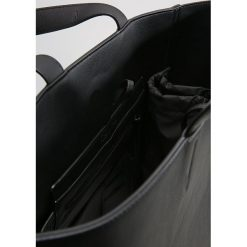 Calvin Klein Torba na zakupy black. Torby na ramię męskie marki Kazar. Za 669.00 zł.
