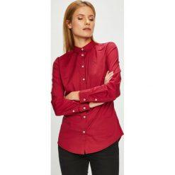 Tommy Jeans - Koszula. Czerwone koszule damskie Tommy Jeans, z bawełny, casualowe, z klasycznym kołnierzykiem, z długim rękawem. Za 269.90 zł.
