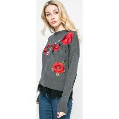 Desigual - Sweter Rosalia. Szare swetry damskie Desigual, z bawełny, z okrągłym kołnierzem. W wyprzedaży za 219.90 zł.