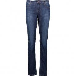 """Dżinsy """"Sissy"""" - Slim fit - w kolorze niebieskim. Niebieskie jeansy damskie Mustang. W wyprzedaży za 173.95 zł."""