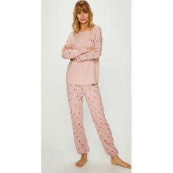 Triumph - Piżama. Piżamy damskie marki MAKE ME BIO. W wyprzedaży za 169.90 zł.