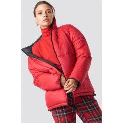 NA-KD Trend Kontrastowa kurtka watowana - Black,Red. Czarne kurtki damskie NA-KD Trend, z materiału. Za 364.95 zł.