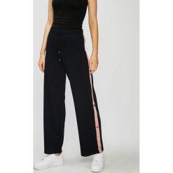 Only - Spodnie Brilliant. Szare spodnie materiałowe damskie Only, z dzianiny. Za 149.90 zł.