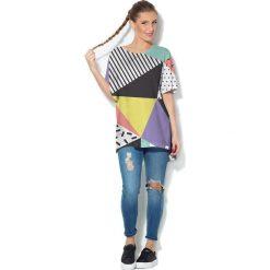 Colour Pleasure Koszulka CP-033  24 czarno-żółto-biała r. uniwersalny. T-shirty damskie Colour Pleasure. Za 76.57 zł.