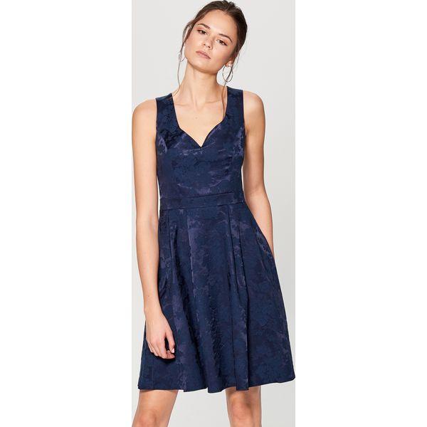 e864e3e3e3 Żakardowa sukienka z dekoltem w kształcie serca - Niebieski ...