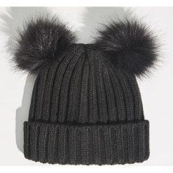 Czapka z pomponami - Czarny. Czarne czapki i kapelusze damskie Sinsay. Za 24.99 zł.