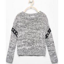 Melanżowy sweter z eyeletami - Czarny. Swetry dla dziewczynek Reserved. W wyprzedaży za 19.99 zł.
