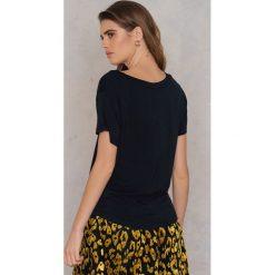 Rut&Circle T-shirt V Alina - Black. Czarne t-shirty damskie Rut&Circle, z elastanu. Za 64.95 zł.