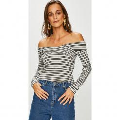 Guess Jeans - Sweter Emiliane. Szare swetry damskie Guess Jeans, z dzianiny. Za 279.90 zł.