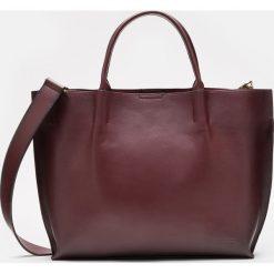 Bordowa torebka damska. Czerwone torebki do ręki damskie Kazar, w paski, ze skóry. Za 799.00 zł.