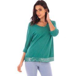 Koszulka w kolorze zielonym. Bluzki damskie fille de Coton, z bawełny, klasyczne. W wyprzedaży za 86.95 zł.